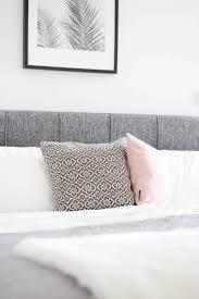 Schlafzimmer Bilderleiste Schlafzimmer Gestalten In Grau Weiß Und Rosa The Golden Kitz