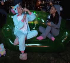 miley cyrus flirts with ariana grande while singing duet in