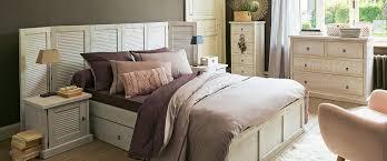 une chambre épurée en pin brossé chambre décoration intérieur