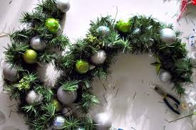how to make double door christmas wreaths