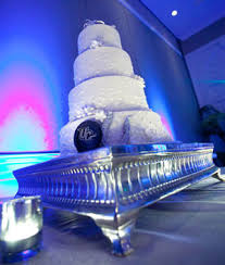 top 10 wedding cake questions weddings illustrated