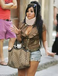 Neck Brace Meme - snooki in a neck brace in florence as she feigns injury after
