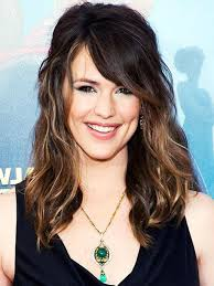 medium brown hair how to add highlights to medium brown hair at
