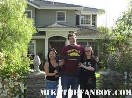 mike the fanboy locations modern family clue the