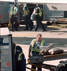 united airlines luggage policy 100 united airlines baggage regulations carry on baggage policy