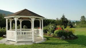 giardini con gazebo gazebo con tende angolo di relax e pace dalani e ora westwing