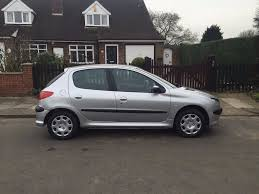 peugeot small automatic cars peugeot 206 automatic 2004 in luton bedfordshire gumtree
