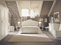 schlafzimmer vintage wohnideen schlafzimmer vintage beige blumen dachdeko cosy home