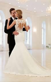 lace wedding dress 39 button back wedding dresses that impress happywedd
