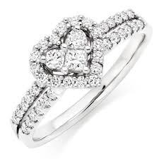 heart shaped engagement ring 18ct white gold heart shaped diamond ring 0009868 beaverbrooks