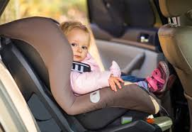 peut on mettre un siege auto devant siège d auto pour enfant quand l installer vers l avant coup de