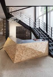 Design Desk by 115 Best Office Lobby U0026 Reception Architecture Images On Pinterest