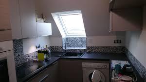 cuisine carreaux carreaux de ciment habillez le sol les murs et la crédence de