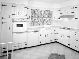White Kitchen Cabinets With Black Countertops by White Kitchen Cabinets Dark Countertop Amazing Luxury Home Design