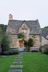 cotswolds cottage caroline holdaway cotswold cottage house garden
