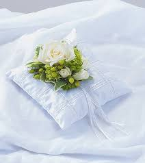 wedding flowers green bay wi pillow insert in green bay wi schroeder s flowers