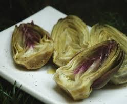 cuisiner les artichauts violets artichauts violets cuits en vinaigrette recette de artichauts