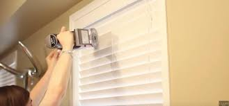 Venetian Blinds How To Clean How To Clean Your Blinds Without Taking Them Down Tiphero