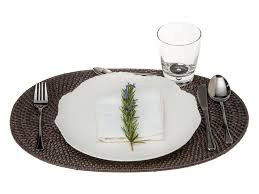 placemats round oval rectangular round in rattan and other