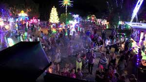 official short video christmas lights 2013 at 17 bowers road south
