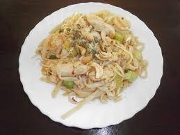 recette cuisine thailandaise traditionnelle délices d une novice pad thaï wok de nouilles de riz au poulet