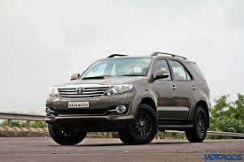toyota fortuner 2015 toyota fortuner 3 0 4x4 at review ageless brawn motoroids