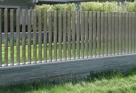 Modern Backyard Fence by 5 Backyard Fence Types Backyard Fences Stone Walls And Backyard