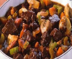 cuisiner du boeuf en morceaux boeuf a la bourguignonne recette de boeuf