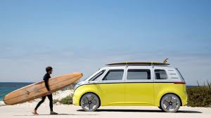 volkswagen van back pebble beach 2017 the vw van is back u2014 but this time it u0027s