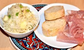 cuisiner choucroute crue salade de choucroute crue aux pommes brisach et l os a moelle