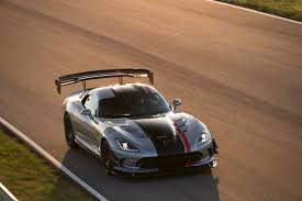 Dodge Viper Race Car - the 2016 dodge viper acr is a racecar without livery art of gears