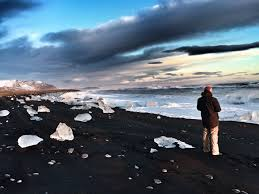 Black Sands Beach Iceland U2013 Glaciers Ice Caves Icebergs And Black Sand Beaches