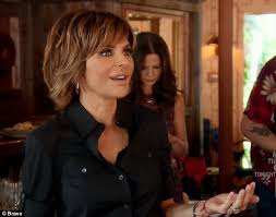 lisa rinna hair stylist real housewives lisa rinna issues warning to kim richards daily