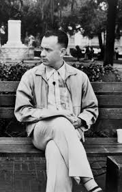 forrest gump on his bench in downtown savannah good to know
