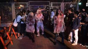 halloween horror nights pictures behind the thrills video zombie outbreak at universal studios