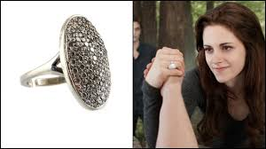 fan shells out 16 800 for u0027twilight u0027 engagement ring at prop