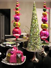 christmas decorations ideas 30 cool green christmas decorations digsdigs