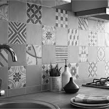 carrelage pour credence cuisine carrelage leroy merlin gatsby artens gris patchwork façon carreaux