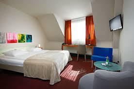 Zurich 5 Piece Bedroom Set Du Theatre By Fassbind
