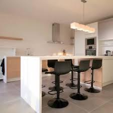 la haute de cuisine la table haute de cuisine est ce qu est confortable tables