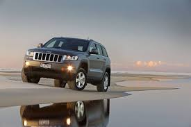 jeep grand best year jeep grand named drive s best 4wd of the year again