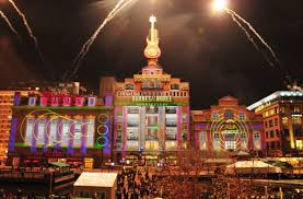 christmas light show los angeles holiday light show spectacular 2015 christmas around the world