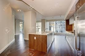 cuisine plancher bois cuisine moderne parfaite avec plancher de bois franc et d un