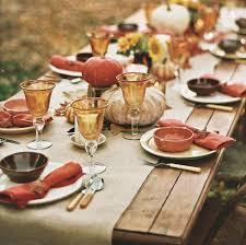10 stylishly monochromatic thanksgiving tables