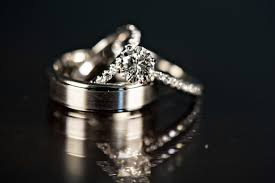 how to out an engagement ring the pros and cons of picking out your engagement ring with your