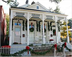 Homes Decorated For Christmas New Orleans Homes And Neighborhoods New Orleans Homes Decorate