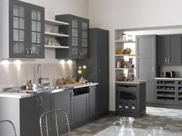 idee deco cuisine grise une cuisine grise chaleureuse le mélange des matières telles que