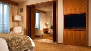 What Hotel Chains Have 2 Bedroom Suites Suites In San Diego Guest Rooms Omni San Diego Hotel