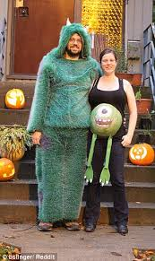 Incredible Halloween Costumes Pregnant Women Show Incredible Halloween Costumes