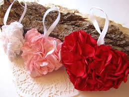 handmade home decorations ornaments 3 hearts white baby pink